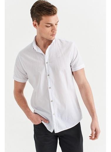 Avva Erkek  Düz Düğmeli Yaka Slim Gömlek A01S2210 Beyaz